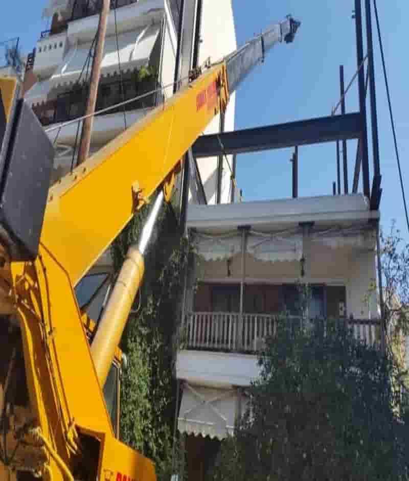 εργασία με τηλεσκοπικό γερανό στην Θεσσαλονίκη