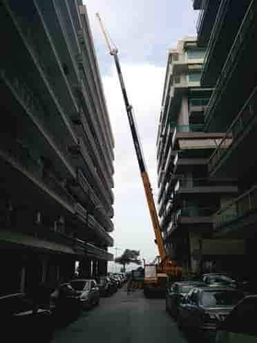 τοποθετήσεις εμβόλων για ασανσέρ πανω απο την οικοδομή